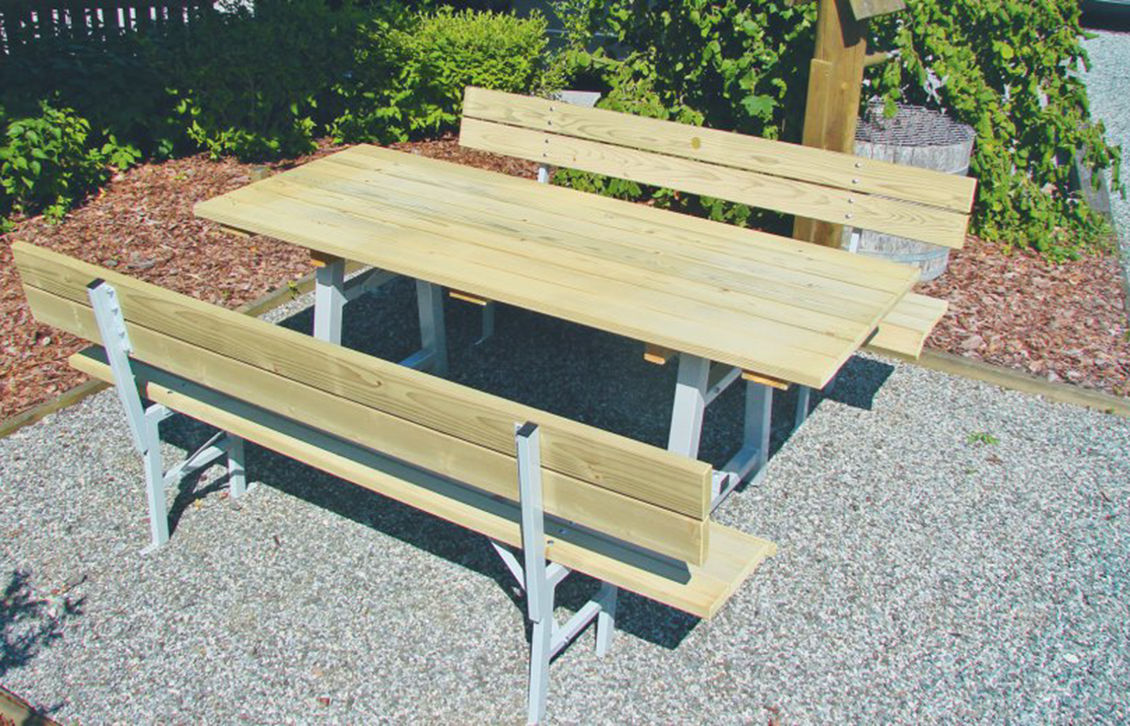 tisch und bank frohnleiten. Black Bedroom Furniture Sets. Home Design Ideas