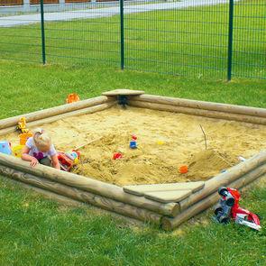 spielger te mit sand und wasser sorgen f r echtes. Black Bedroom Furniture Sets. Home Design Ideas